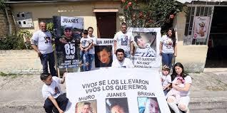 Auch über ein Jahr nach dem Verschwindenlassen dreier Minderjähriger haben die Familienangehörigen und Freund*innen die Hoffnung sie wiederzufinden nicht aufgegeben.